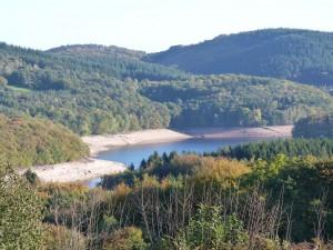 Le Lac de Chaumeçon et son cirque de montagnes