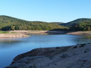Rando âne : Le lac de Chaumeçon par basses eaux